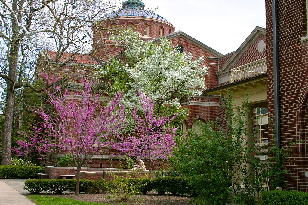 Miami University campus<br /> Alumni Hall<br /> Copyright 2004, Tom Farmer