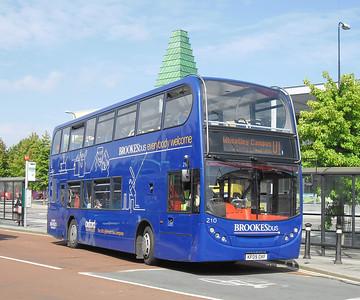 210 - KF09OXF - Oxford (Park End St)