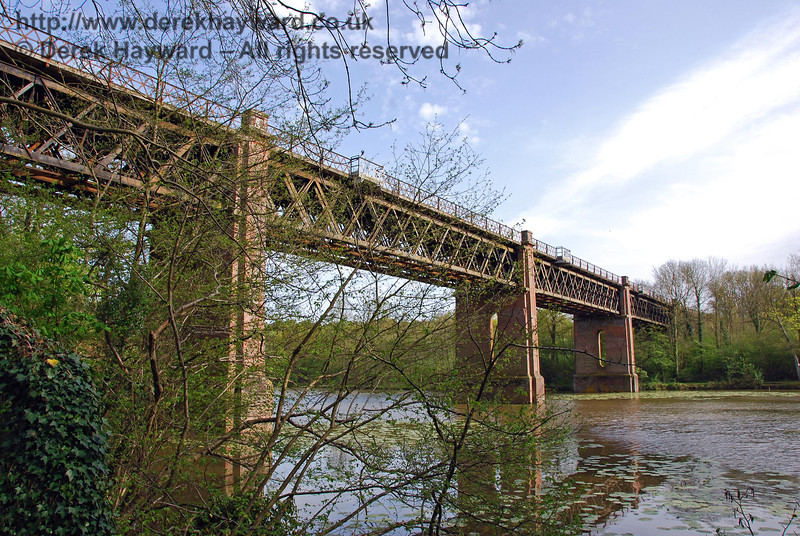 Another view of Cooks Pond Viaduct looking south. The lattice design was used by the line's engineer, James Firbank, for all major bridges from Croydon to East Grinstead. 03.05.2008