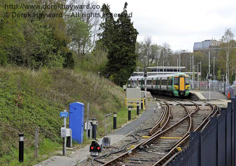 The reverse of the previous views, looking north from the Bluebell Railway station, towards Network Rail.  East Grinstead Station.  05.04.2014  8870
