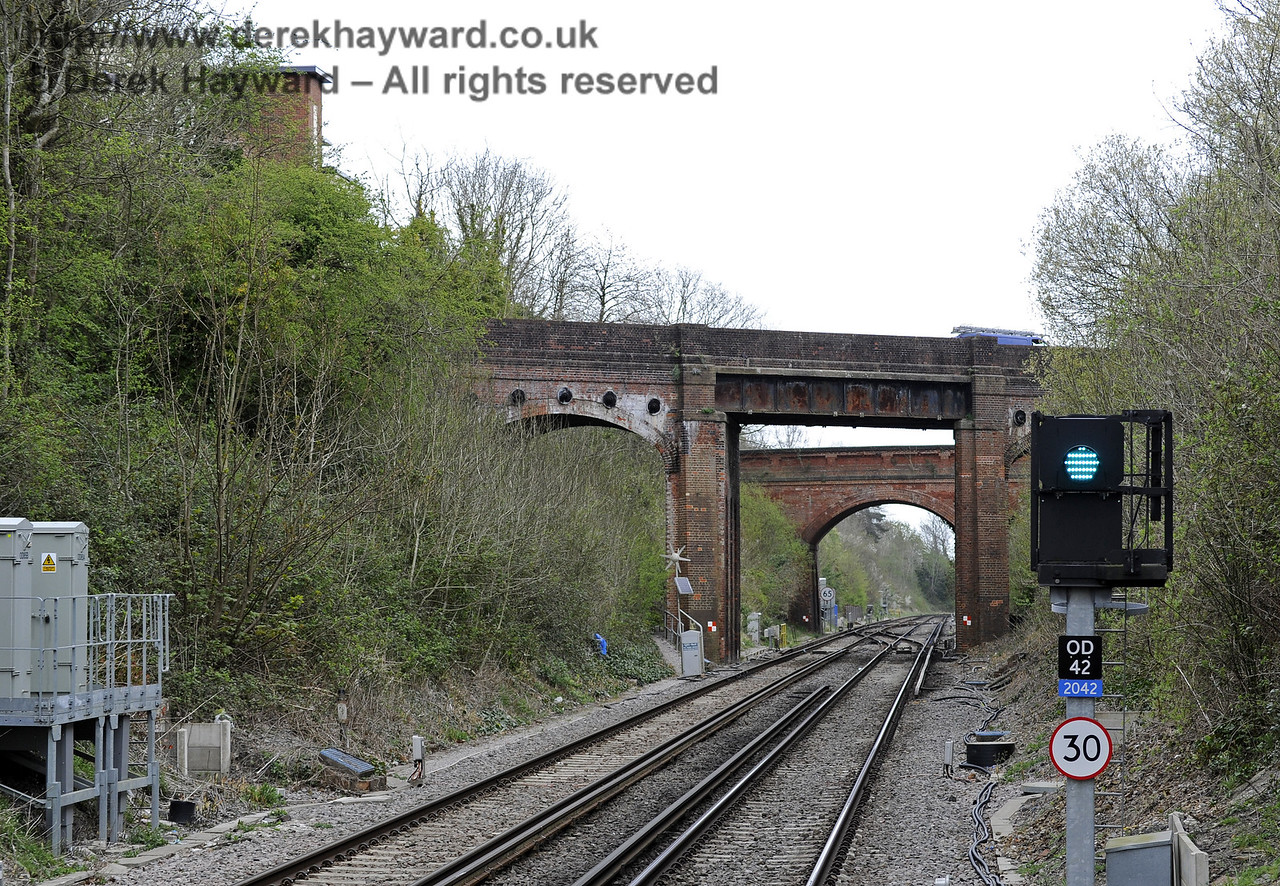 Looking north from Platform 2.  East Grinstead Station, Network Rail.  05.04.2014  8835