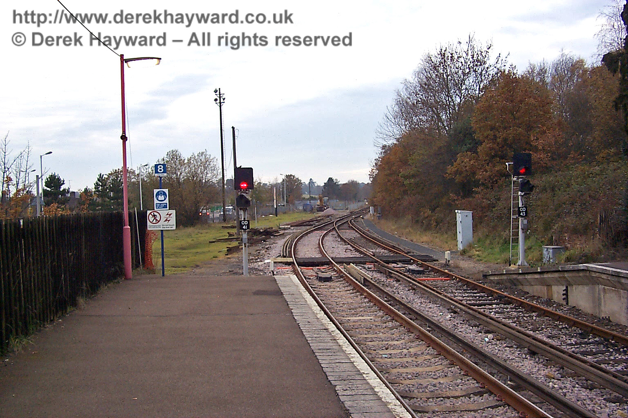 The same view just over 15 years earlier, looking south along the platform at East Grinstead towards the future Bluebell station site on 22.11.1998.