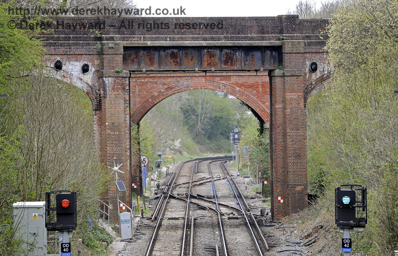 Looking north from the footbridge with a longer lens.  East Grinstead Station, Network Rail.  05.04.2014  8861