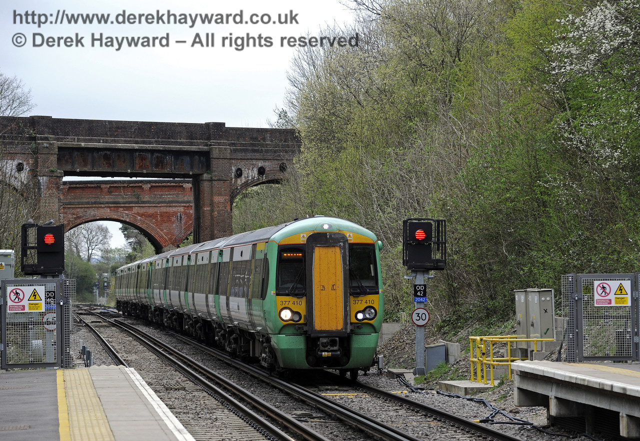 Looking north from Platform 1 as 377410 arrives with a terminating service.  East Grinstead Station, Network Rail.  05.04.2014  8855