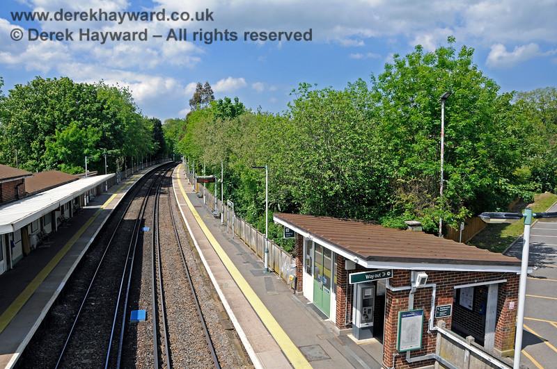 Hurst Green Station 310521 20904 E