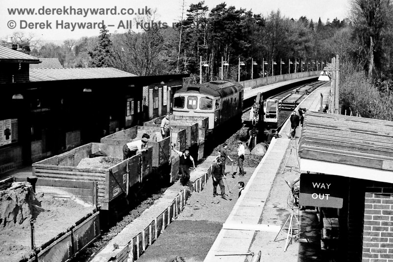 Engineering works at Hurst Green, Sun  19 04 1970, with 6572 (blue) E