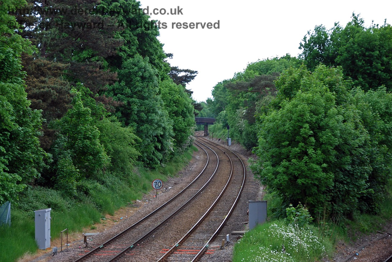 Looking south east down the Uckfield Line towards Edenbridge Town Station. A separate collection follows this line. The line remains as double track until south of Hever Station. 18.05.2008