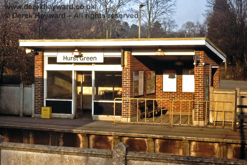 Hurst Green platform shelter, 14 02 1981 E