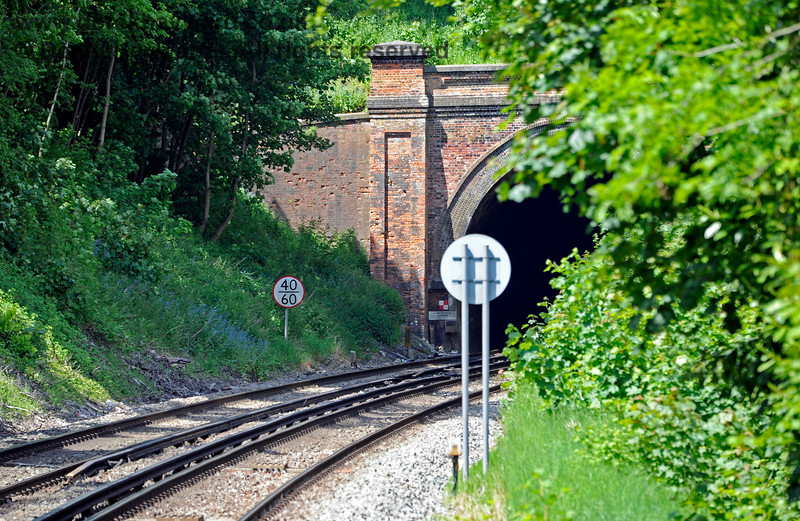 The view north from the southbound platform at Hurst Green Station, towards Limpsfield tunnel. 31.05.2021 18178