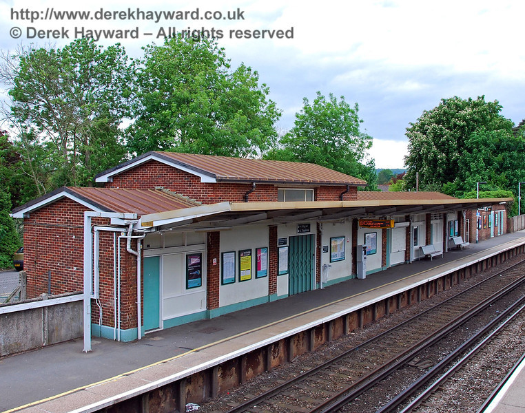 The platform side of the northbound building at Hurst Green Station, looking north. The current station, which will take 12 coaches, was opened on 12 June 1961 following extensive post-war housing development in the area. The former two coach Halt south of the road bridge was then closed and demolished. 18.05.2008