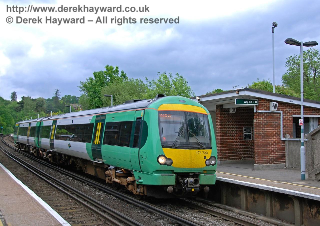 Turbostar 171730 departs south en route to Uckfield having deposited three passengers. 18.05.2008