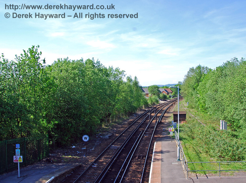 Looking north from the footbridge at Lingfield Station.  A signal box once stood on the left, at the end of the northbound platform. 11.05.2008