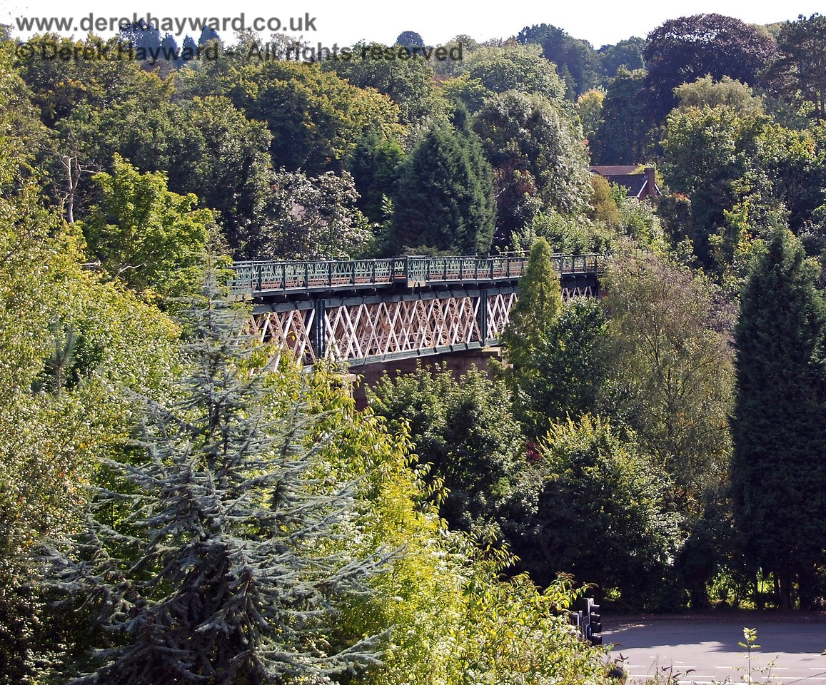 A second view of the viaduct including the main A25 road below gives an impression of scale. 14.09.2008