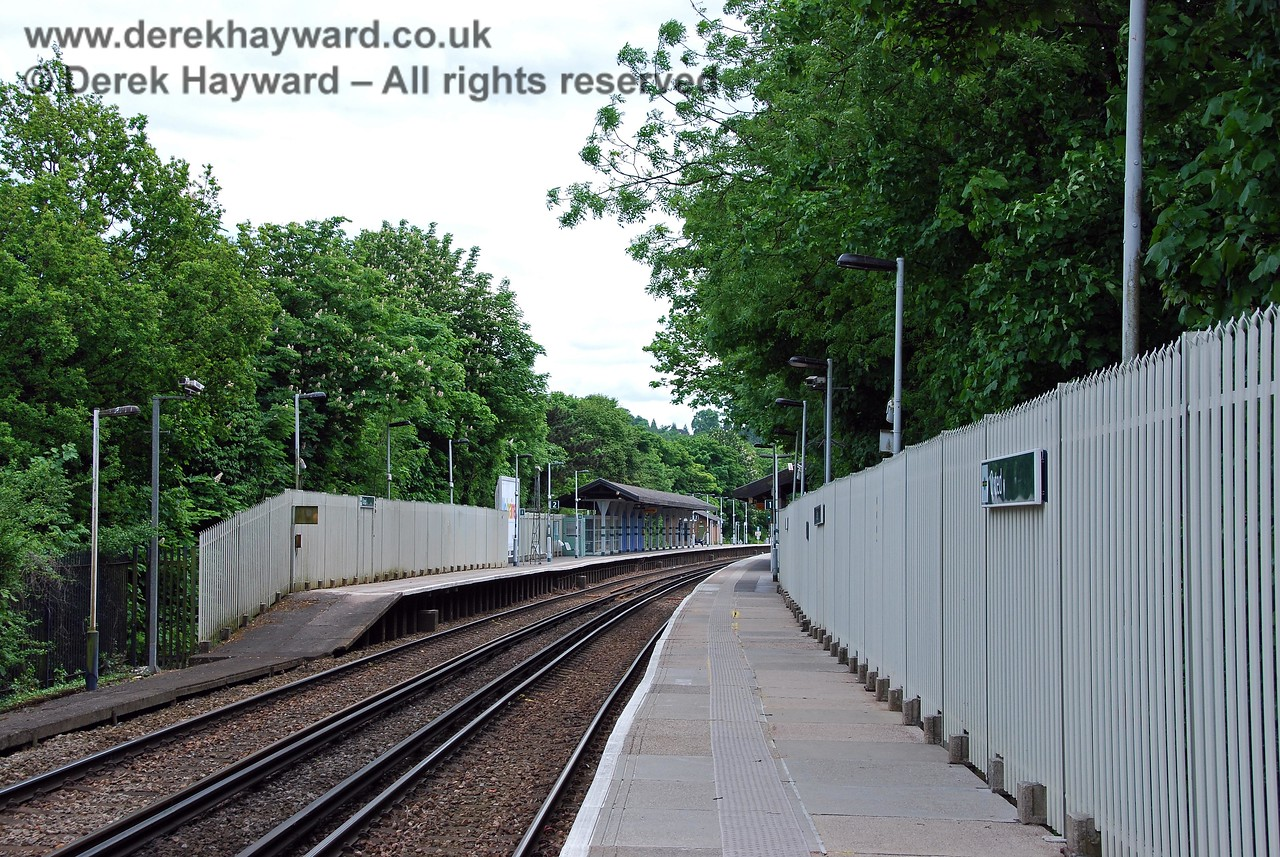 Turning round, the staggered platforms can be seen, with the northbound Platform 1 extending further north.  In the early years this arrangement left room for a goods yard access at the southern end of this platform. 18.05.2008