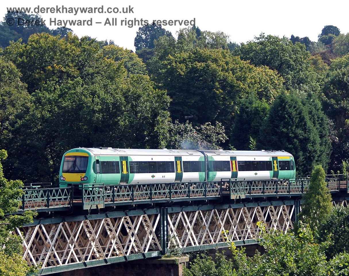Looking south, Turbostar 171730 crosses Oxted Viaduct with an Uckfield line service. 14.09.2008