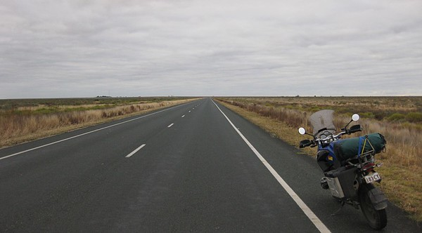 On the Nullarbor ,  chasing horizons.