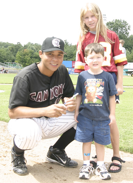 Miquel Perez Pot Reds Signs Auto for Wendy and Robbie Sloan