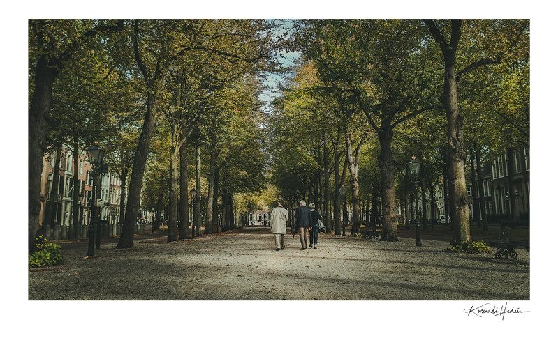 Afternoon stroll on Lange Voorhout