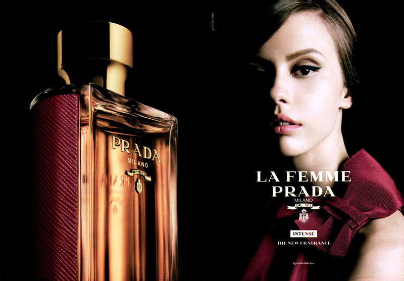 La Femme PRADA Intense 2017 Spain spread handbag size format 'The new fragrance'<br /> <br /> MODEL: Mia Goth, PHOTO: Steven Meisel