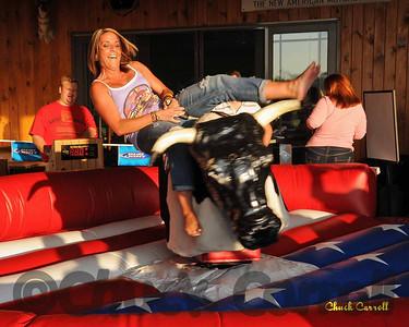 Mechanical Bull Riding, Girls on Mechanical Bulls