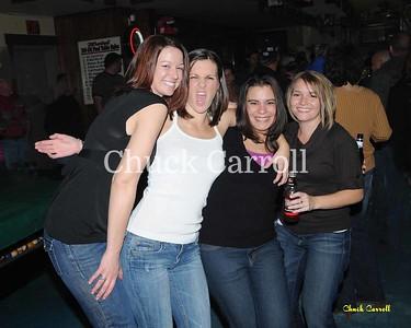Do-De Hotel Friday Night     --    November 06-2009