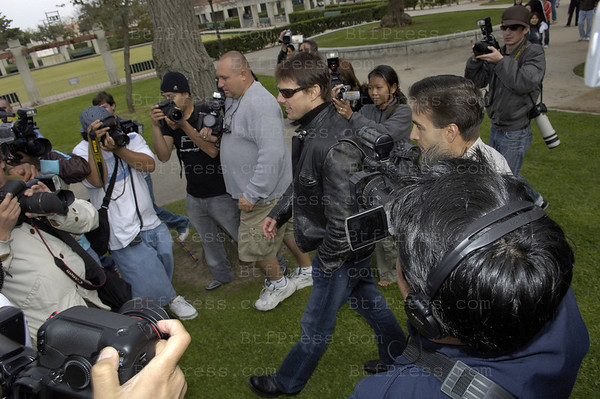 Tom Cruise in Faifax Blvd  with Paparazzi