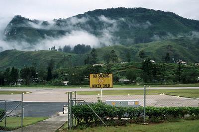 NOKEN SIMUK - MENDI AIRPORT