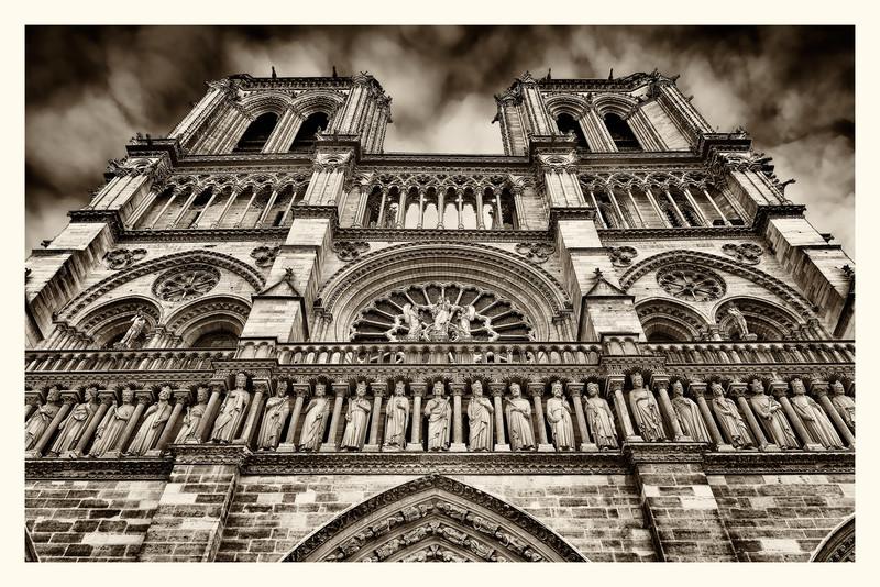 Notre-Dame_20150219_0015-B&W