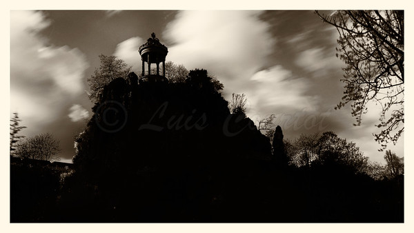 20150401_Buttes-Chaumont_0082-BW