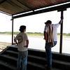 Beltrán Uriate (PBI) y Andrés Ortiz (CREDHOS) en Cantagallo, Sur de Bolívar