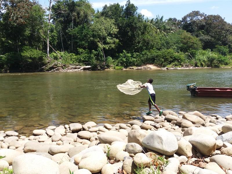 paisaje, pesca en el rio, Puerto Guamo, Febrero 2017