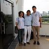 Los brigadistas Nikolay Afonin y Silvia Arjona acompañando a Iván Madero, de Credhos, durante el acto público, realizado en diciembre en Barrancabermeja, en el que se notifica a la Corporación Regional para la Defensa de los Derechos Humanos (Credhos) como sujeto de reparación colectiva.