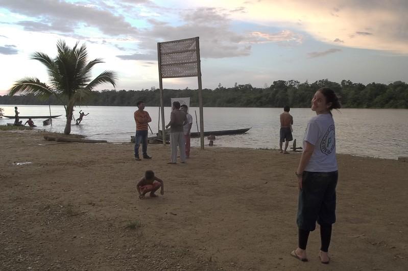 Aco a la CIJP en el rio San Juan (resguardo Agua Clara)<br /> en el Valle del Cauca. Michaela y Lara, enero-febrero de 2017