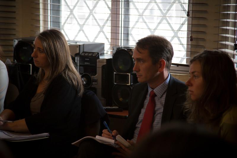 Karine Pleau de la embajada canadiense y Andy O´Neill de la embajada estadounidense.