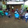 Viaje a la Zona Humanitaria Nueva Esperanza en Jiguamiandó<br /> Nathalie y Gerardo, Julio de 2017<br /> Situación: dos hombres graffitearon AGC sobre letrero de la Zona de Biodiversidad de Erasmo Sierra y alrededores