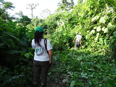 Nathalie, viajando de la Holandita a Mulatos, Comunidad de Paz de San José de Apartadó, enero de 2017