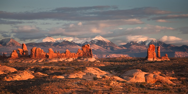 ARCHES AND LA SAL MOUNTAIN RANGE
