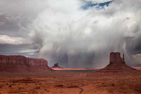 APPROACHING STORM OVER MONUMENT VALLEY