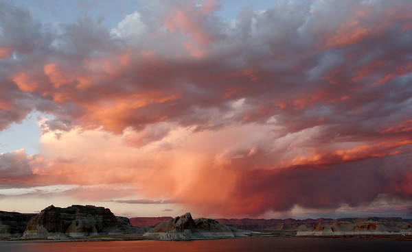SUNSET AT LAKE POWELL