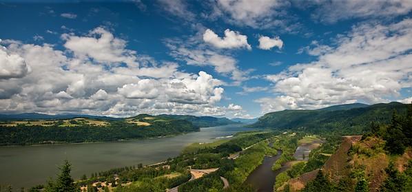 COLUMBIA RIVER PANORAMA