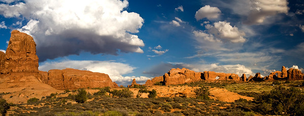 PANORAMA OF THE WINDOWS SECTION, ARCHES, NP