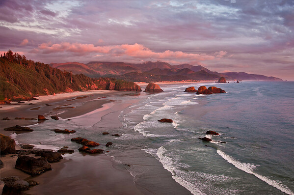 CANNON BEACH OVERVIEW