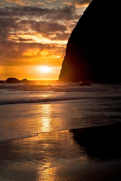 HAYSTACK ROCK SUNSET, CANNON BEACH