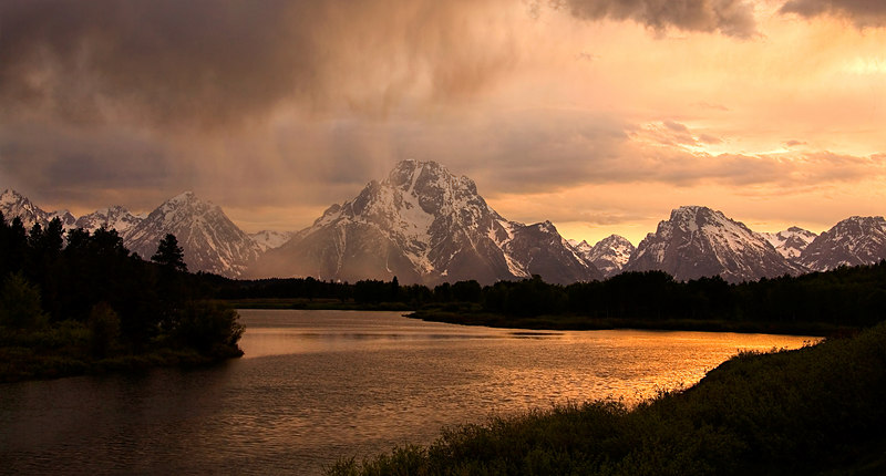 THE TETONS' MOUNT MORAN