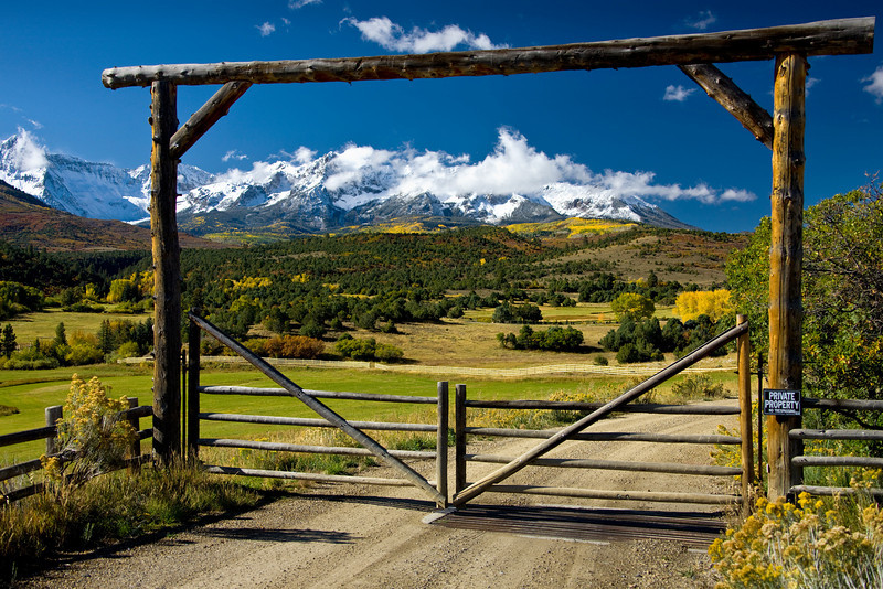 COLORADO RANCH GATE