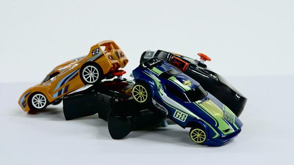 Hot Wheel Intelligent Race System - Hot Toy Test Lab (Joseph Forzano / The Palm Beach Post)