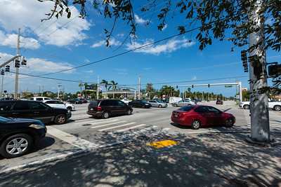 The Forest Hill Blvd. and Military Trail intersection is chaos on Wednesday, September 13, 2017. The traffic lights are out due to the winds from Hurricane Irma. (Joseph Forzano / The Palm Beach Post)