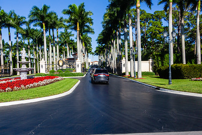 The Presidential motorcade pulls into Trump International Golf Club in West Palm Beach on Sunday, January 05, 2020. [JOSEPH FORZANO/palmbeachpost.com]