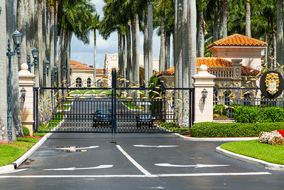 Trump International Golf Club on Summit Blvd. in West Palm Beach is open only for members to pick up their golf clubs or to get items from their lockers according to security personnel, April 7, 2020. [JOSEPH FORZANO/palmbeachpost.com]
