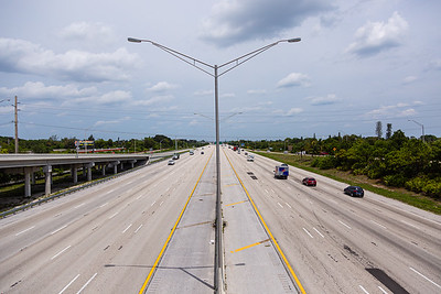 Looking north at Interstate 95 from the overpass at Hypoluxo Road in  Boynton Beach, FL, Monday, April 20, 2020. [JOSEPH FORZANO/palmbeachpost.com]